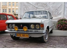 rzeszow-pojazdy-zabytkowe-rynek-dzien-serca-10