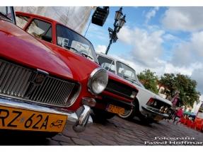 rzeszow-pojazdy-zabytkowe-rynek-dzien-serca-3