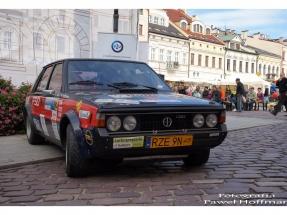 rzeszow-pojazdy-zabytkowe-rynek-dzien-serca-4