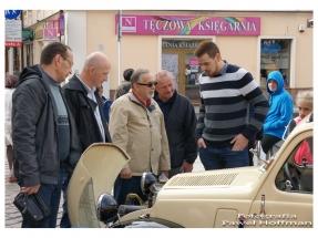 rzeszow-pojazdy-zabytkowe-rynek-dzien-serca-6