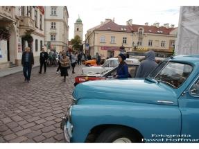 rzeszow-pojazdy-zabytkowe-rynek-dzien-serca-7