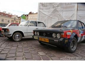 rzeszow-pojazdy-zabytkowe-rynek-dzien-serca-8