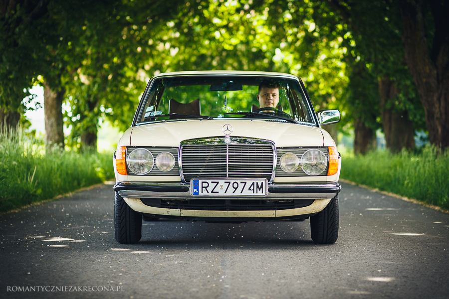 Mercedes 200 W123 (2)