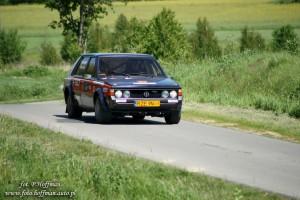 """Na fotografii Andrzej Jaroszewicz i Alicja Grzybowska w FSO Polonezie 2000 Rally Walter Wolf  - """"OES Niechobrz"""""""