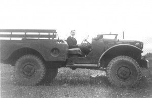 Zdjęcie wykonane zostało około 1957 roku i jest na nim Eugeniusz Wilk