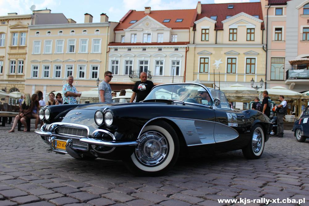 Zabytkowe pojazdy pojawią się na rynku w Rzeszowie 8 lipca 2016 roku