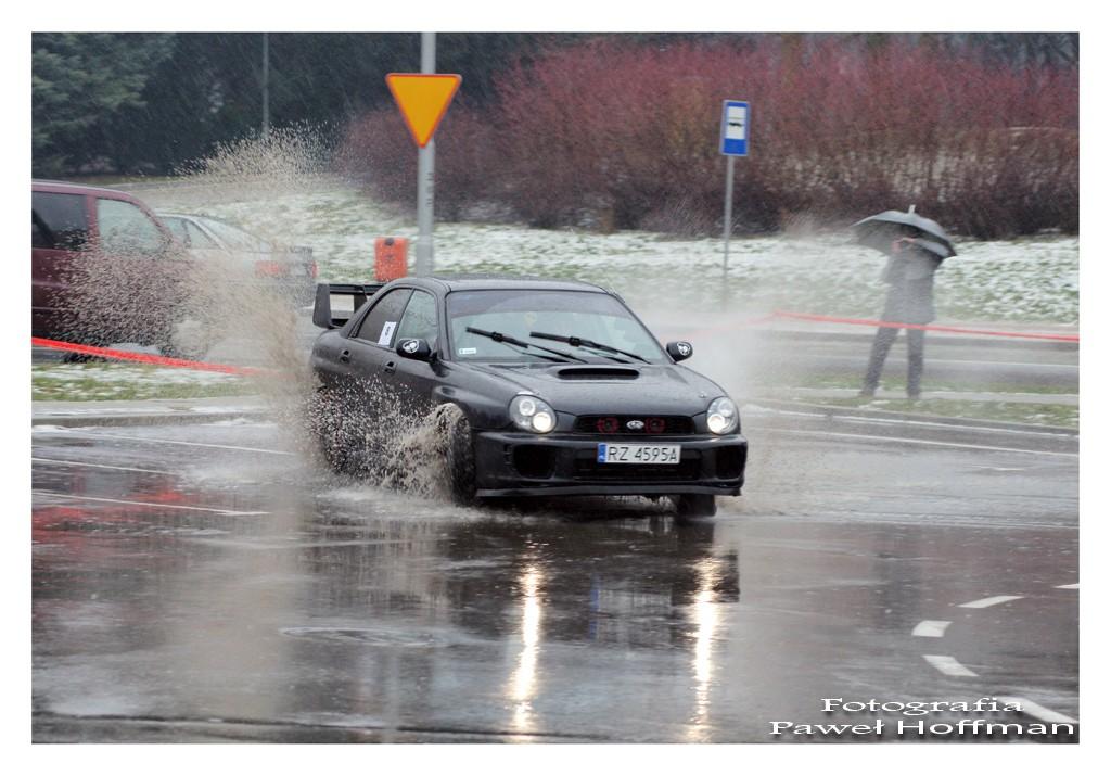 Subaru z załogą Piejko Wojciech/Mroszczyk Adrian